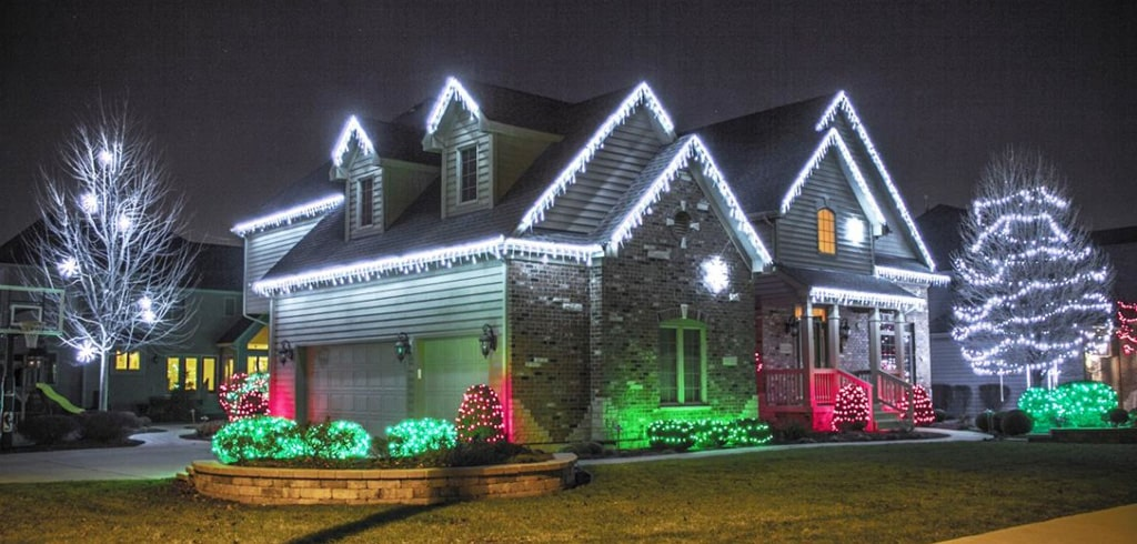 Tips On Hanging Xmas Lights Bell Roofing